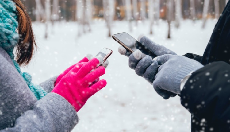 Handy-Nutzung im Winter und bei Schnee