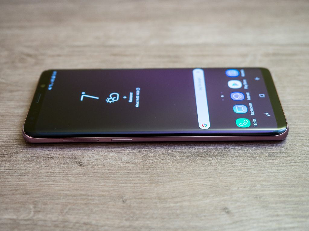 Linke Seite des Samsung Galaxy S9+ in Lilac Purple
