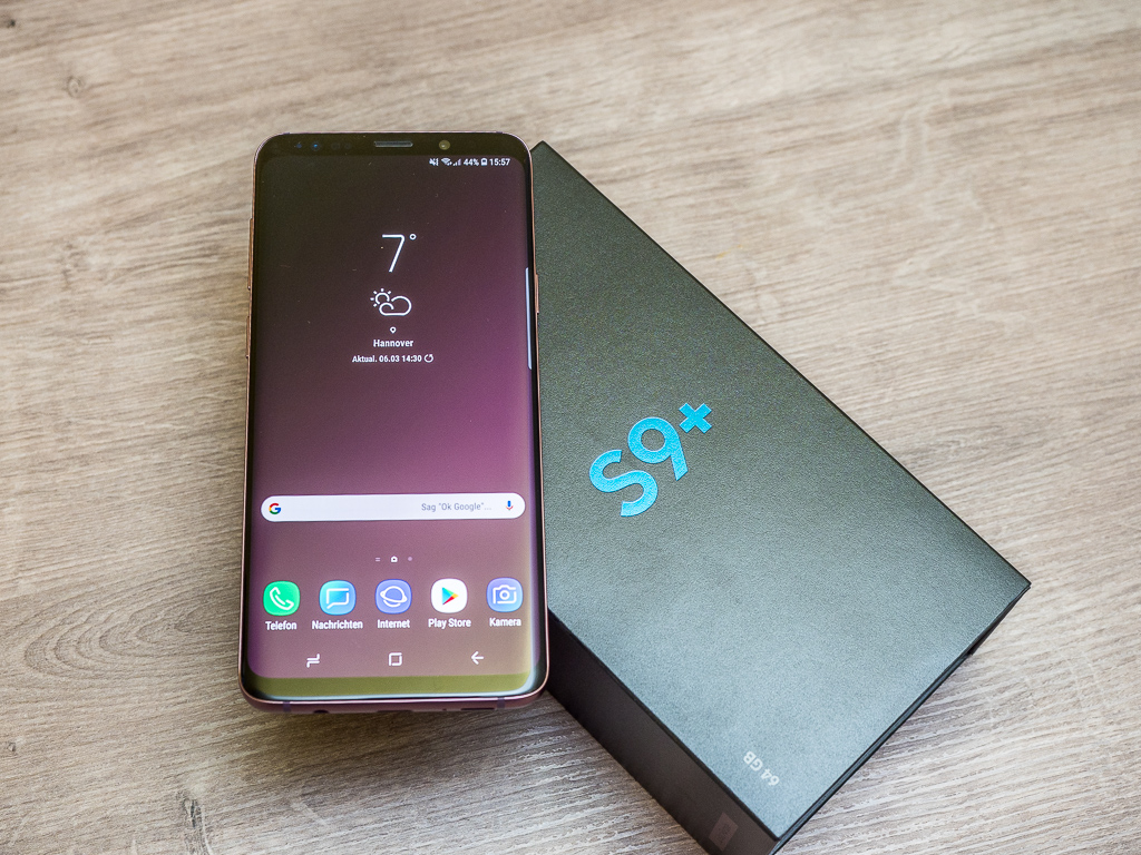 Samsung Galaxy S9+ in Lilac Purple mit Verpackung