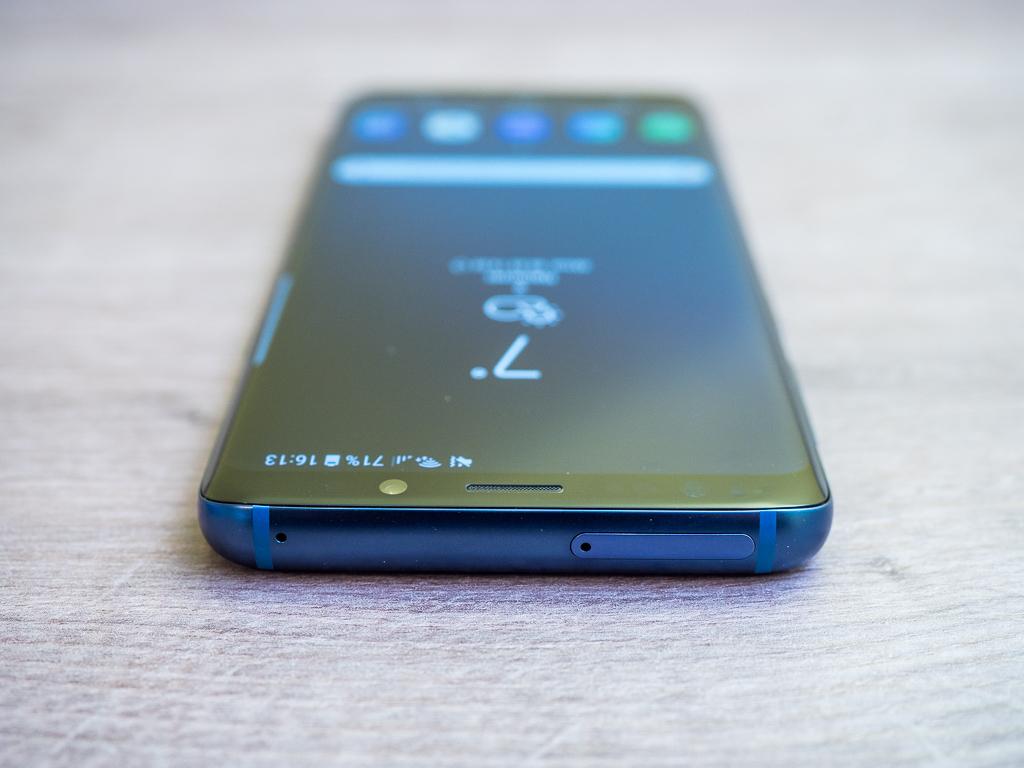 Samsung Galaxy S9 in Coral Blue