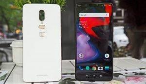 Von vorne und hinten: OnePlus 6 in Silk White
