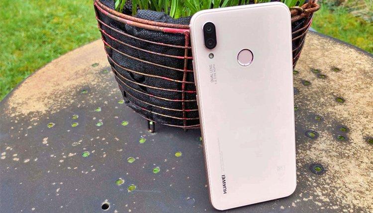 Das Huawei P20 lite überzeugt im Test mit gutem Akku und rahmenlosen Display-Design