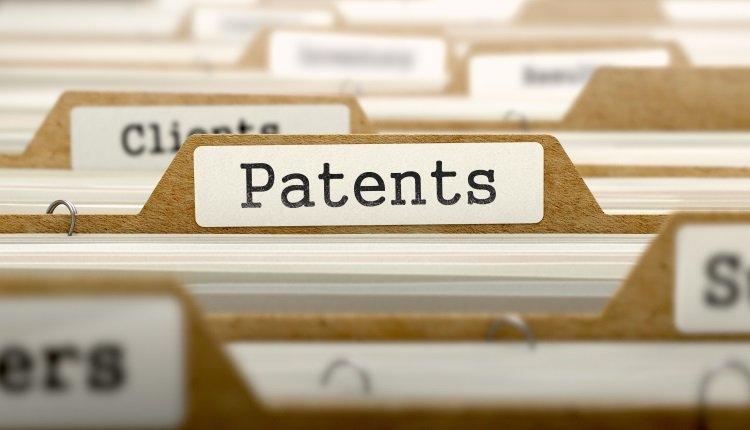 Aktenschrank mit Patent-Ordnern