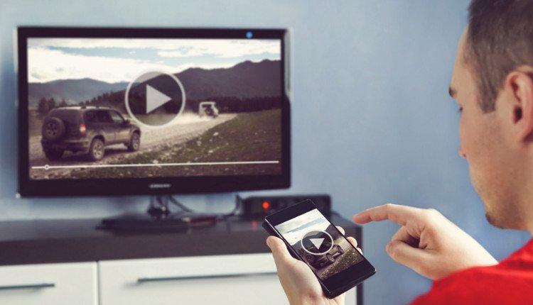 Smartphone mit dem Fernseher verbinden