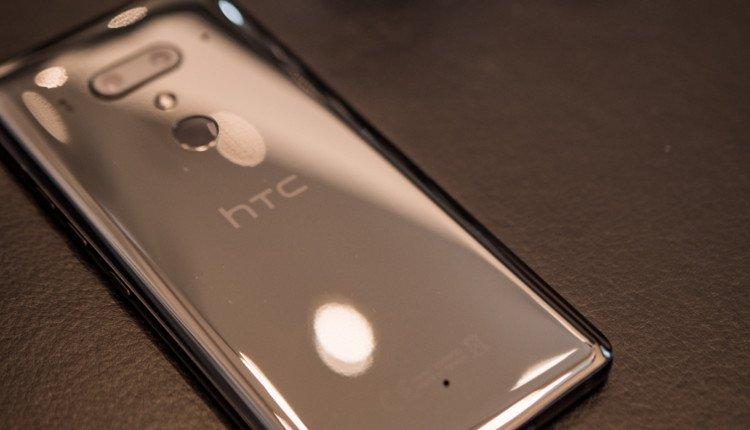 HTC U12+ in Schwarz