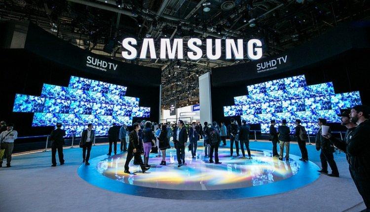 Samsung-Messestand mit Logo