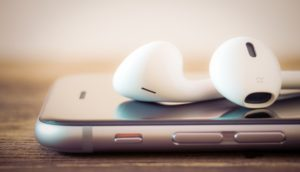 Apple Music auf iPhone mit EarPods