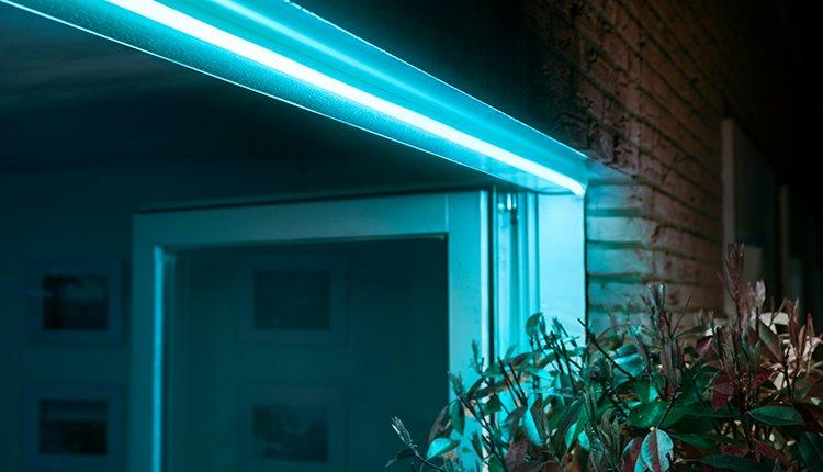 Philips Licht Hue : Philips hue outdoor sortiment erhält mit lightstrip zuwachs