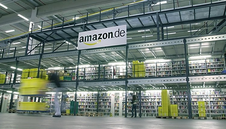 Amazon Logistik-Zentrum.