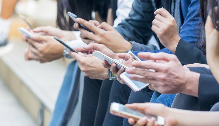 WhatsApp-Gründer kritisiert Facebook