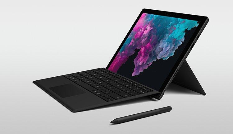 Microsoft Surface Pro 6 in Schwarz mit Surface Pen, Typecover und Maus