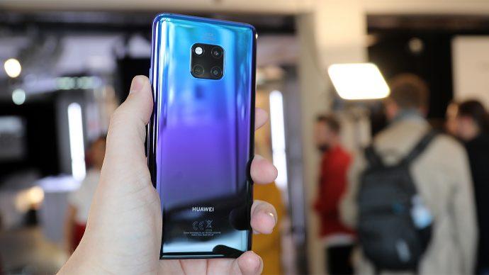 Huawei Mate 20 Pro Rückseite in der Farbe Twilight