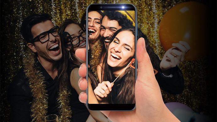 HTC U12 Life Gruppen-Selfie