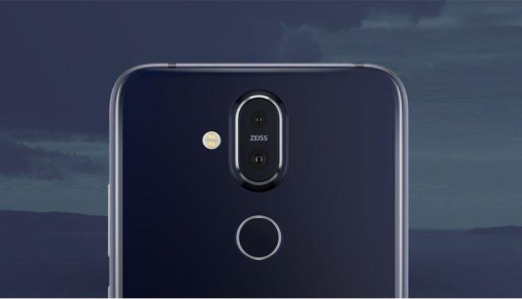 Das Nokia 8.1 als kommt mit Dual-Kamera von Zeiss und Fingerabdrucksensor auf der Rückseite (Rückansicht)