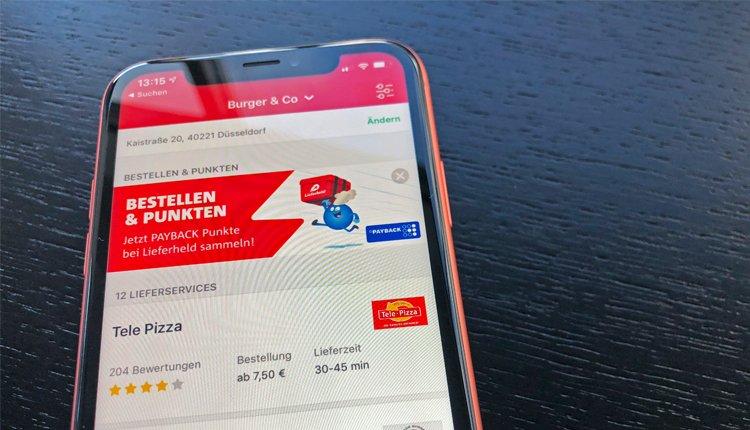 Lieferheld-Gutschein in der App: Fotos eines iPhone Xr mit geöffneter Lieferheld-App