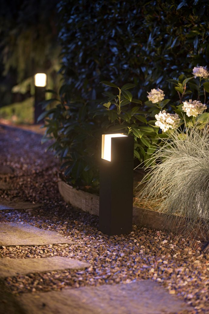 Philips Hue Outdoor Fuzo Sockellampe