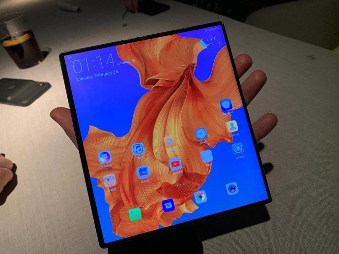 Huawei Mate X Display aufgeklappt