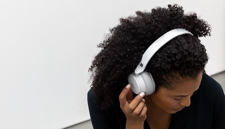 Surface Headphones von Microsoft