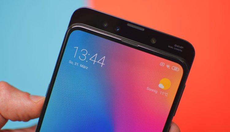 Frontansicht des Xiaomi Mi Mix 3 mit offenem Slide
