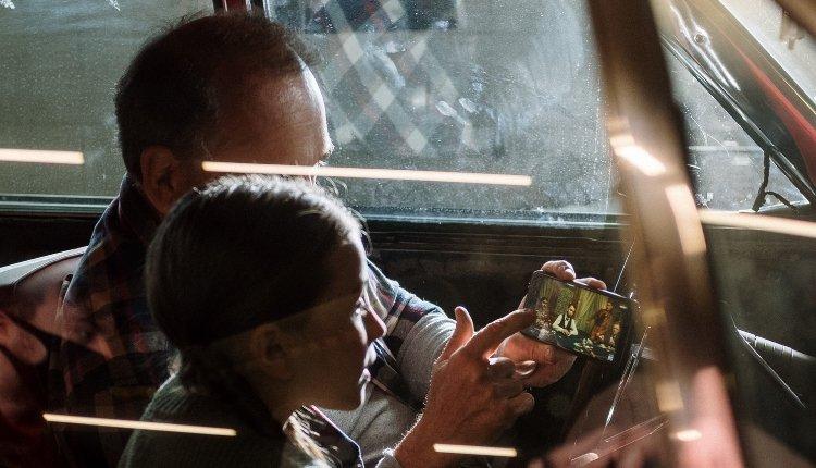 Vatertag Vater und Kind Handy